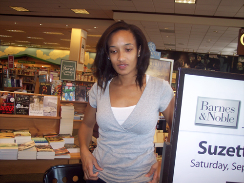 You are browsing images from: Barnes & Noble - Durham - September 2009