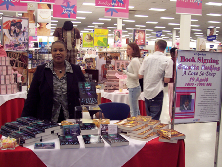 You are browsing images from: Book Signing at Ft. Gordon