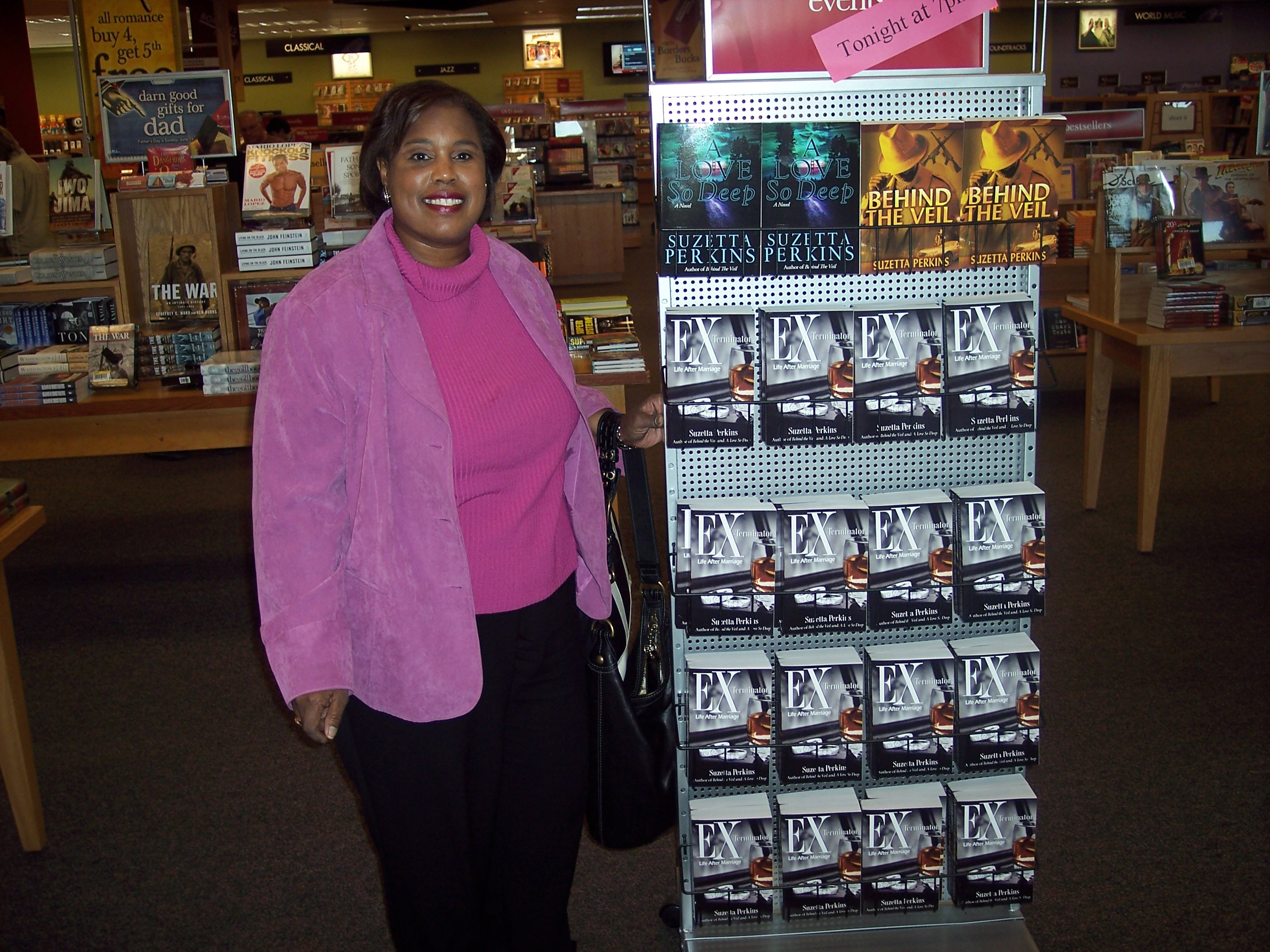 You are browsing images from: Book Signing in Longbeach